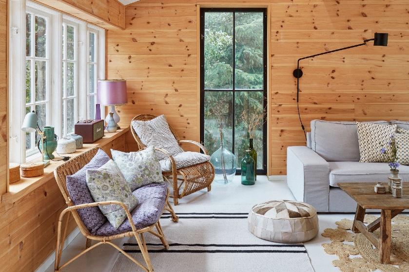 Binnenkijken bij Dorthe's zomerhuisje: 'We renoveren graag, maar wel met oude bouwmaterialen'