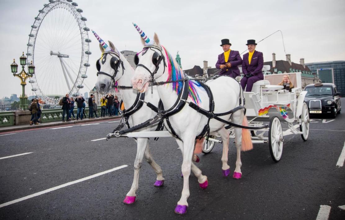 Goals: In Londen kun je deze week een unicorn taxi nemen!