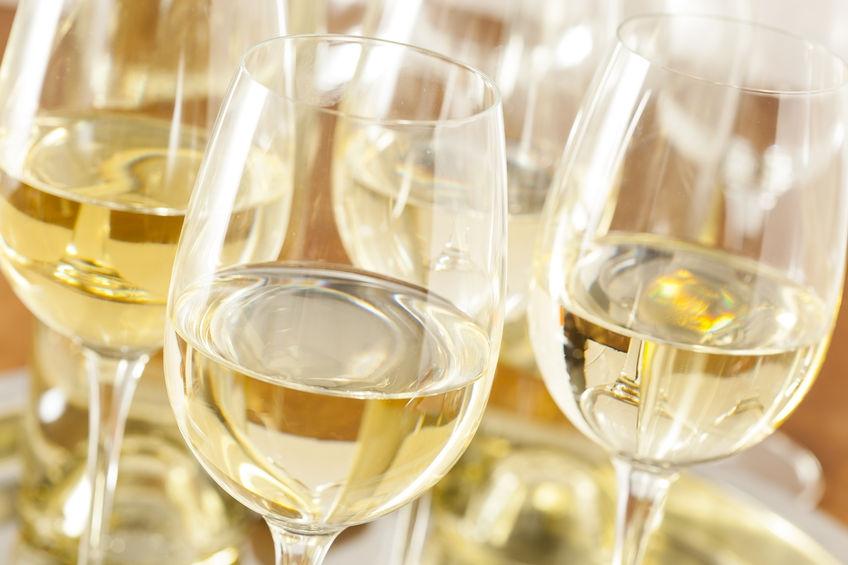 Life hack: zó koel je een fles wijn in een kwartiertje