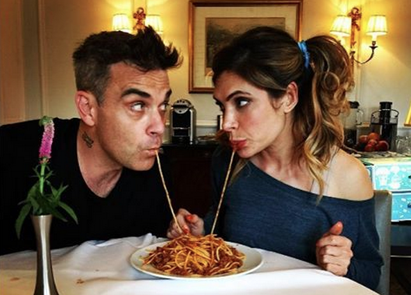 Wow: Robbie Williams poedelnaakt op Instagram!