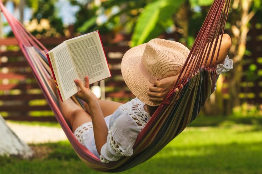 Vakantie in eigen huis of tuin: waarom je juist nu af en toe een vrije dag moet opnemen