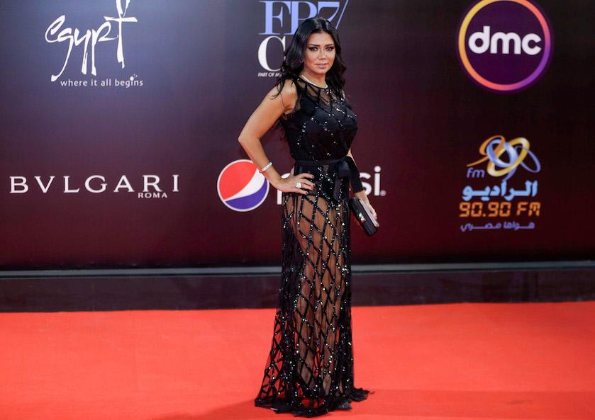 Egyptische actrice riskeert 5 jaar cel vanwege doorzichtige jurk