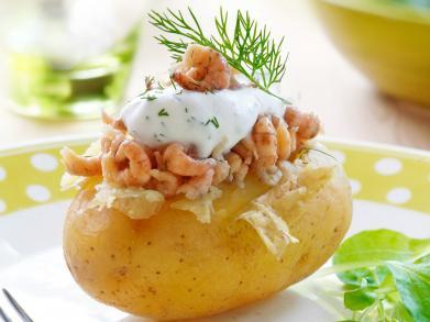 Recept: gepofte aardappel met garnaaltjes