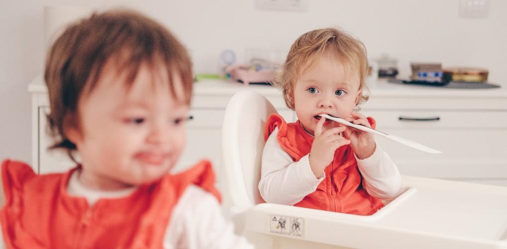 Dankzij een eiceldonor hebben Jasmijn en Mark nu een gezonde tweeling: Mads en Bente