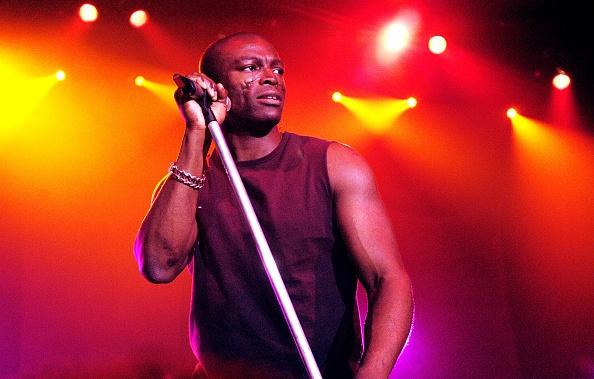 Video: Seal zingt met straatmuzikant
