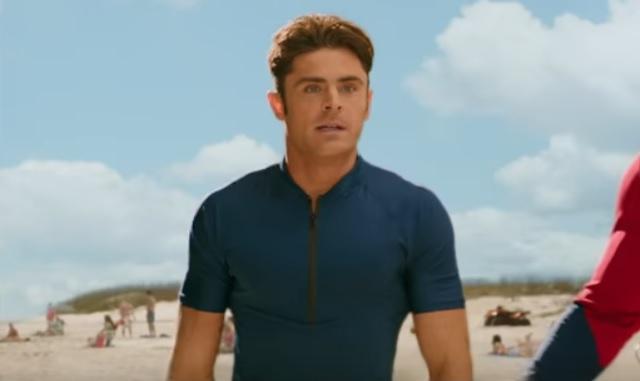 ZIEN: Zac Efron verschijnt in een strakke Speedo op de set van Baywatch