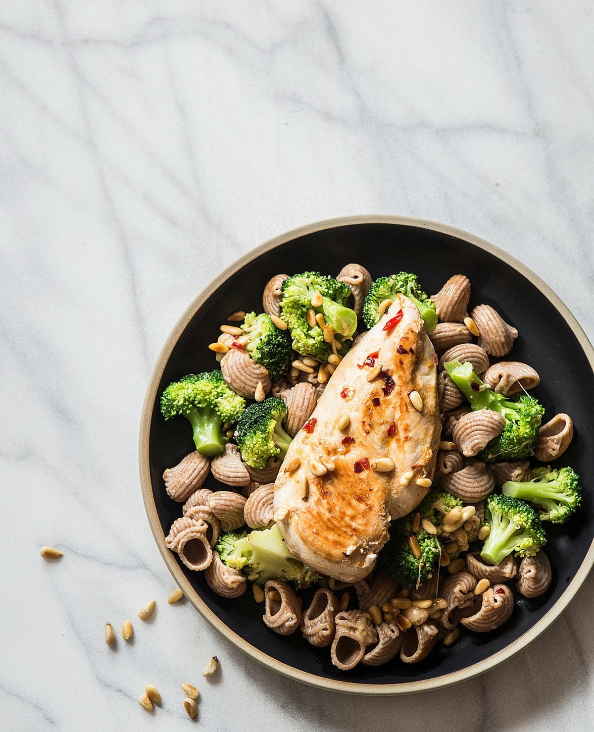 Recept: pasta met broccoli en pijnboompitten