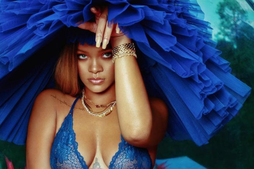 Yes! De lingerielijn van Rihanna is vanaf nu te koop bij déze webshop