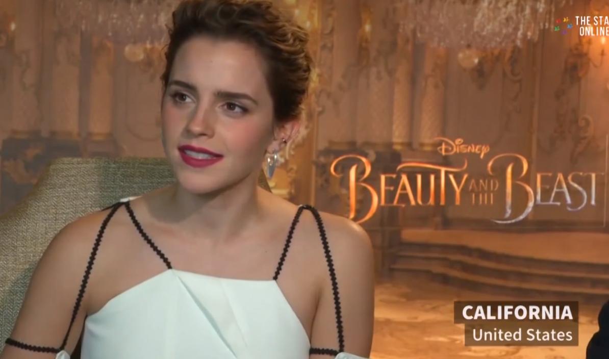 ZIEN: Emma Watson reageert ijzersterk op commotie rondom 'topless' foto