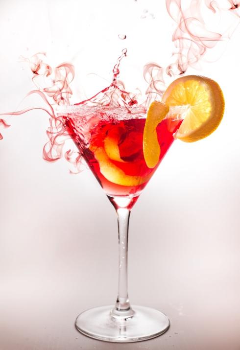 Cheers! Deze drie zomerse cocktails mix je makkelijk zelf!