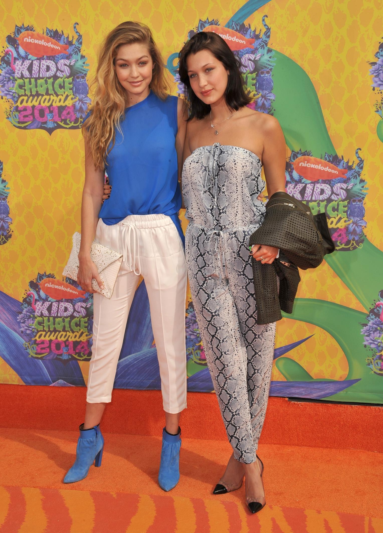 Bella en Gigi Hadid lanceren eigen band shirt