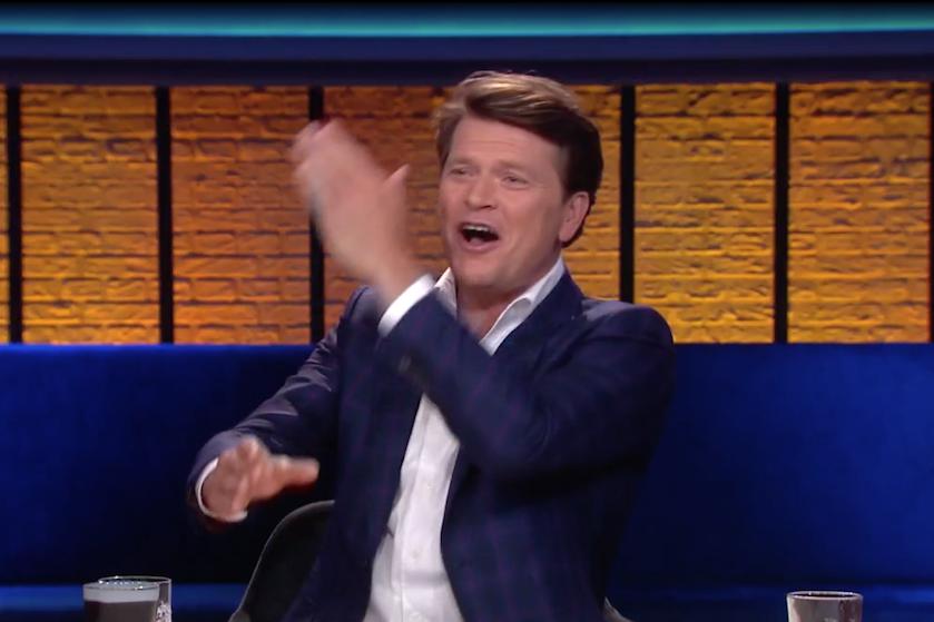 Oerstom maar stiekem ook zó grappig: Beau 'vreest afhakken van hand' na fout in talkshow