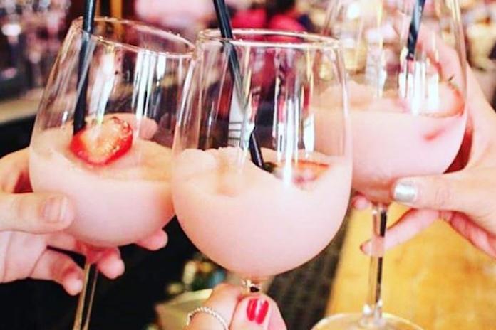 Heerlijk verkoelend: frosecco belooft hét drankje van deze zomer te worden