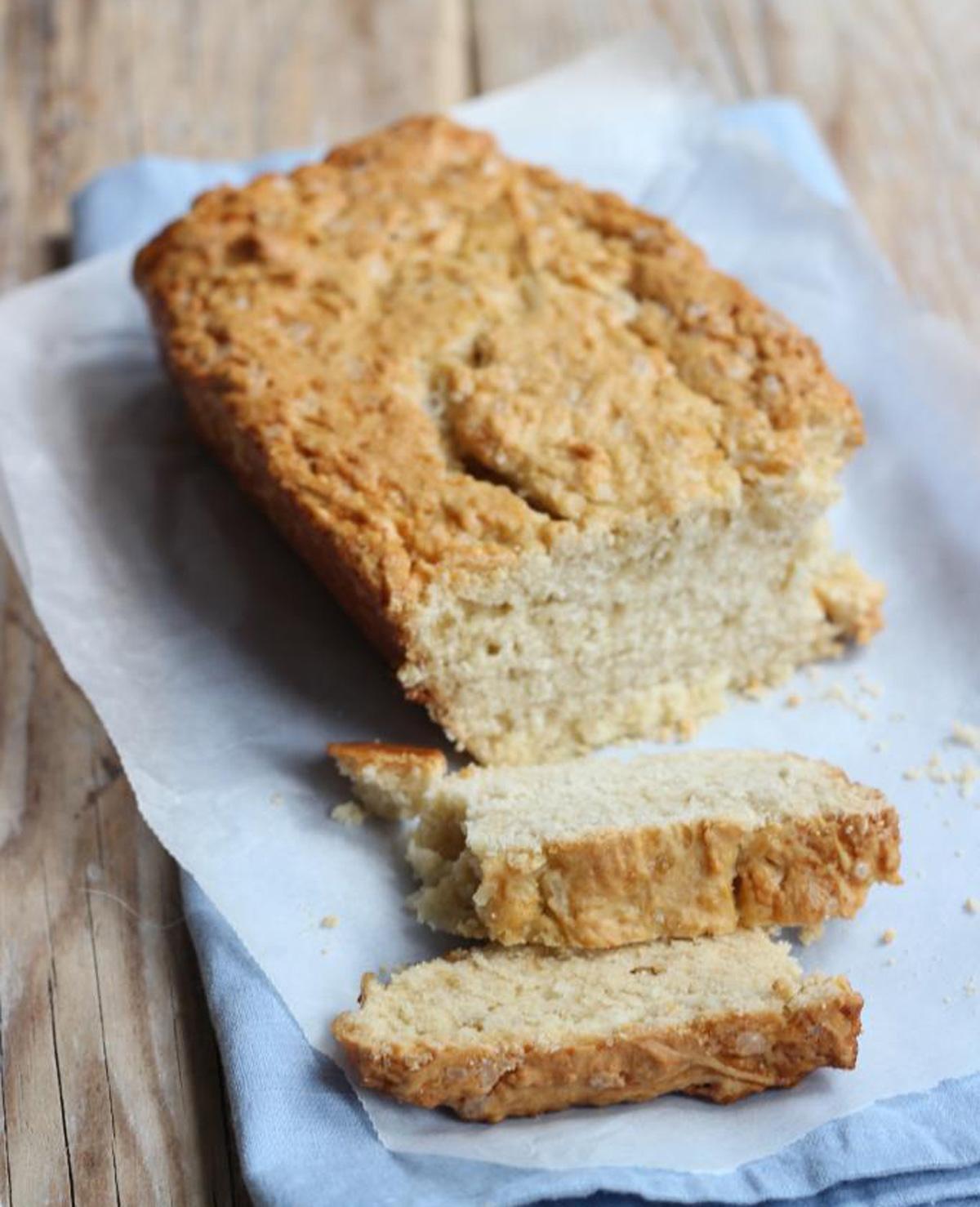 Zelfgemaakt suikerbrood