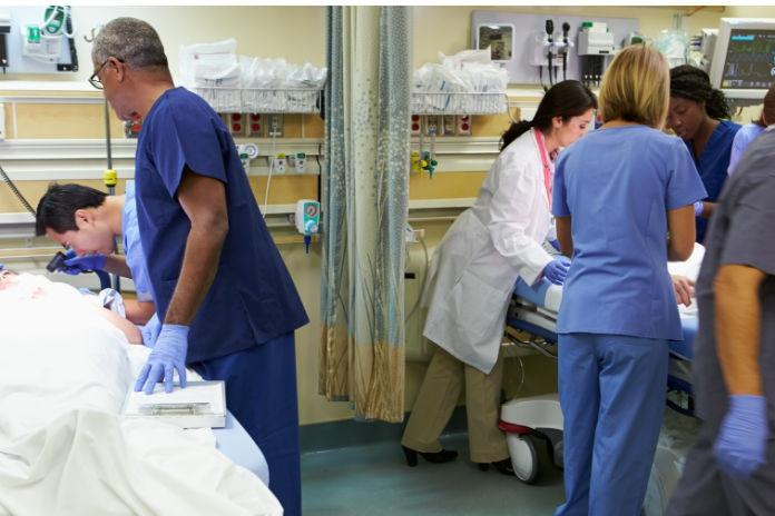 Medewerkers spoedeisende hulp voelen zich emotioneel uitgeput