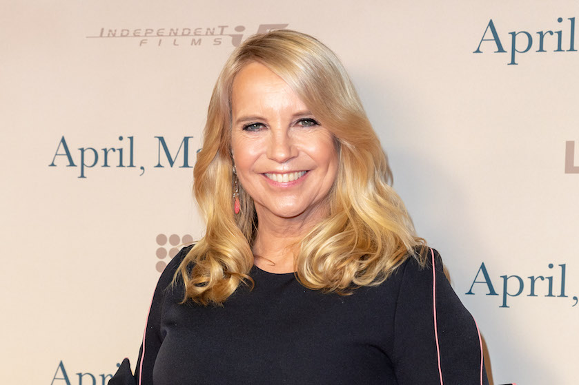 Linda de Mol (56) maakt ongekend statement: presentatrice poseert bijna-bloot in bikini