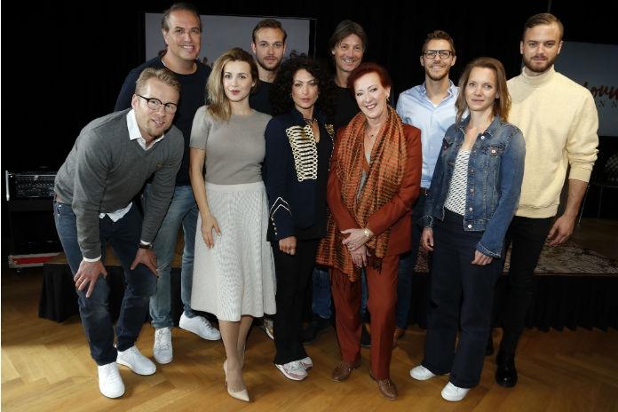 Winnen: 3×2 prijzenpakket voor de Nederlandse komedie Huisvrouwen bestaan niet