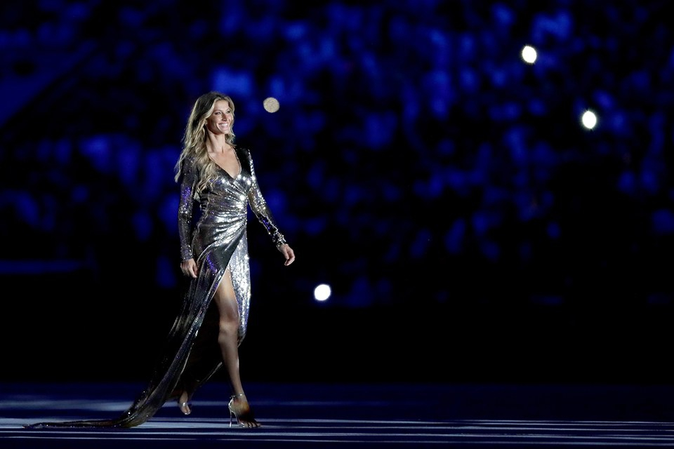 Wow: Supermodel Gisele Bündchen schittert tijdens openingsceremonie van de Olympische Spelen!