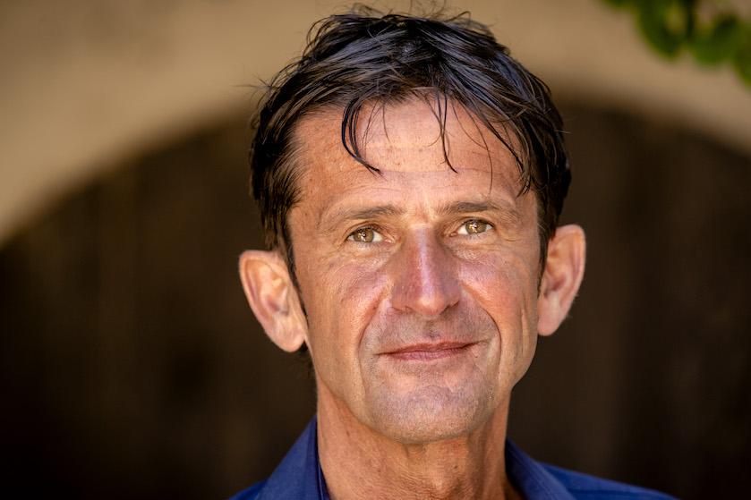 Triest: vader Songfestivalcommentator Cornald Maas plotseling overleden