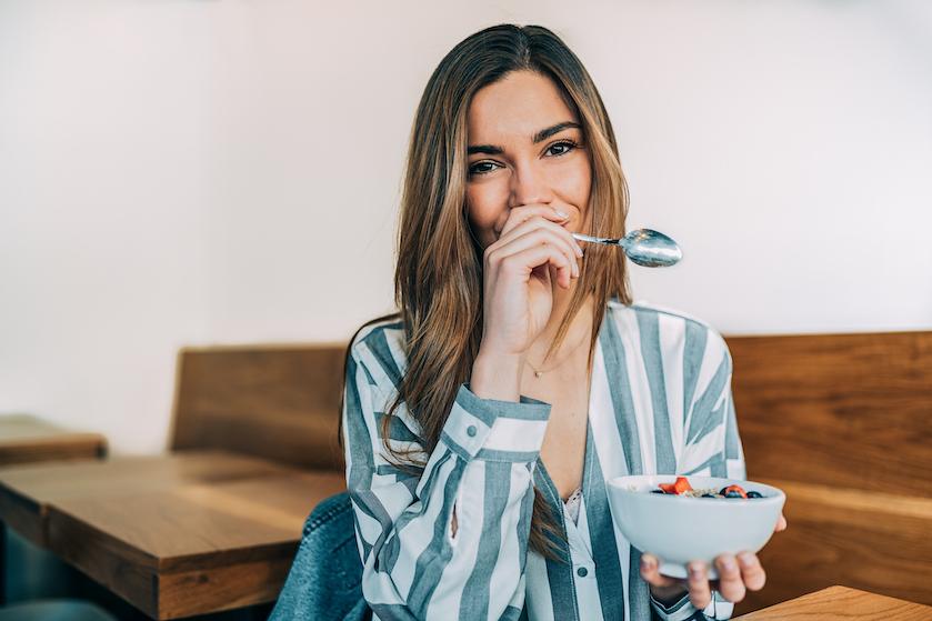 Wil je van je coronakilo's af? Dít is volgens deskundigen het beste en gezondste dieet