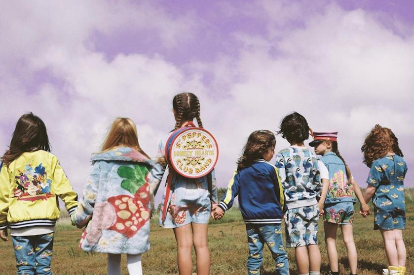 Kinderkleding voor papa's en mama's: Stella McCartney lanceert Beatles-collectie