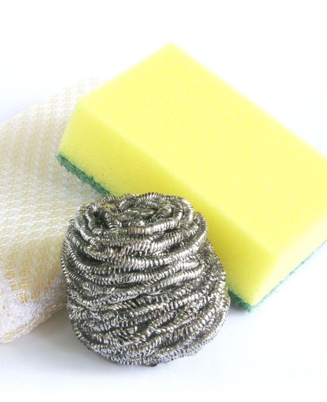 Geef hout een andere kleur met staalwol en azijn