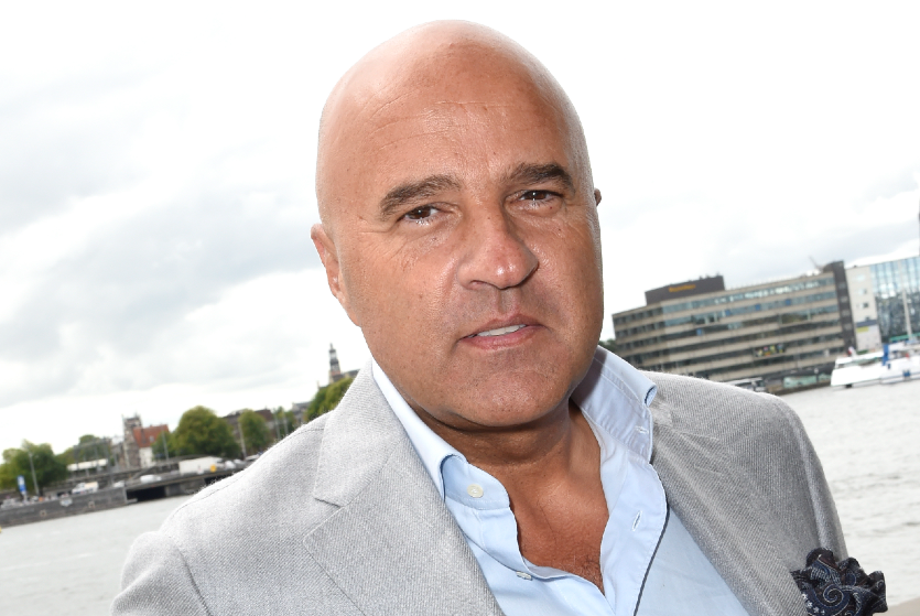 John van den Heuvel reageert op aanslag collega Peter R. de Vries: 'Wij zwijgen nooit'