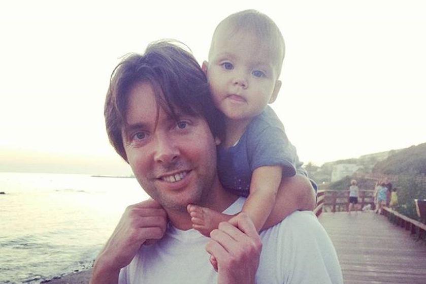 Magisch (en dubbel!) mooi nieuws voor Oscar Kazàn na ontdekking baarmoederhalskanker bij verloofde