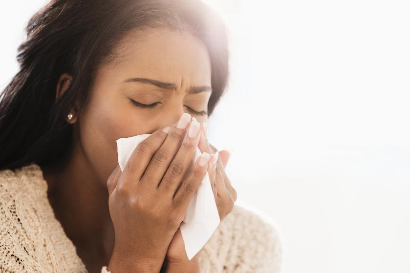 Het kriebelhoest-seizoen is weer begonnen: dit kun je er écht tegen doen