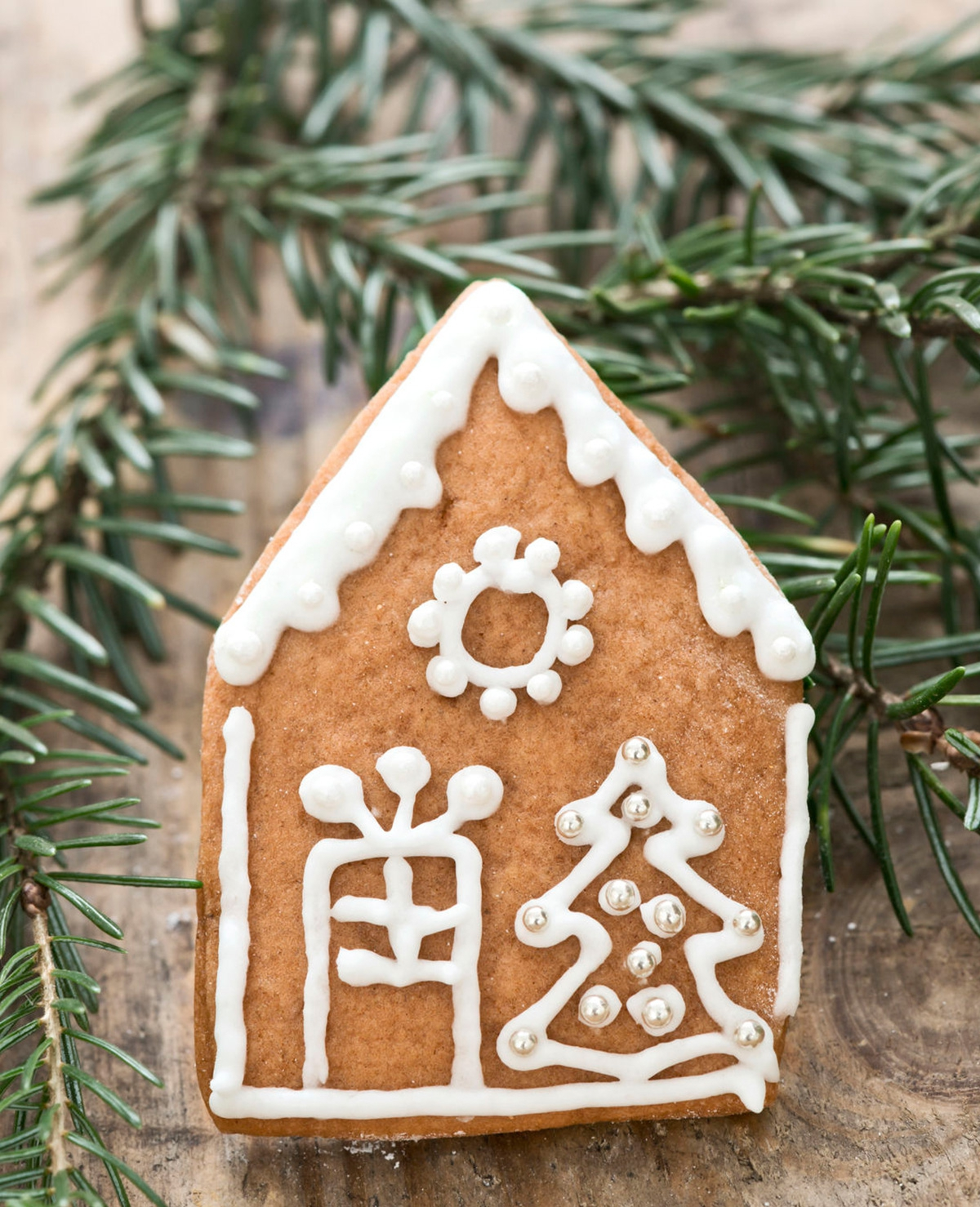 Dennennaalden onder de kerstboom opruimen (trucje!)