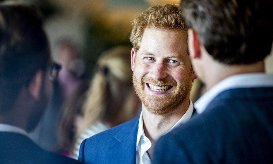 Zoet: prins Harry steelt de show tijdens balletles