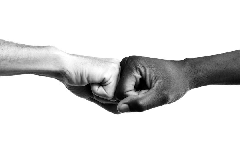 Meer dan een hashtag of een zwart scherm delen: dit kun jij nú doen tegen racisme