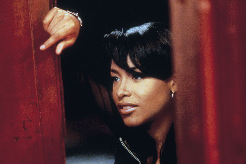20 jaar na crash nieuwe onthulling in biografie over Aaliyah: 'Zangeres weigerde in vliegtuig te stappen'