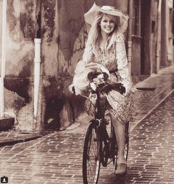 Zien: Chantal Janzen komt über-fit terug van vakantie