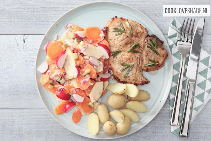Fijn bijgerecht: snelle salade met wortel en appel