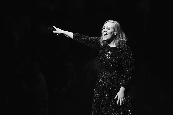 VIDEO: Filmen tijdens een concert van Adele? Niet doen…
