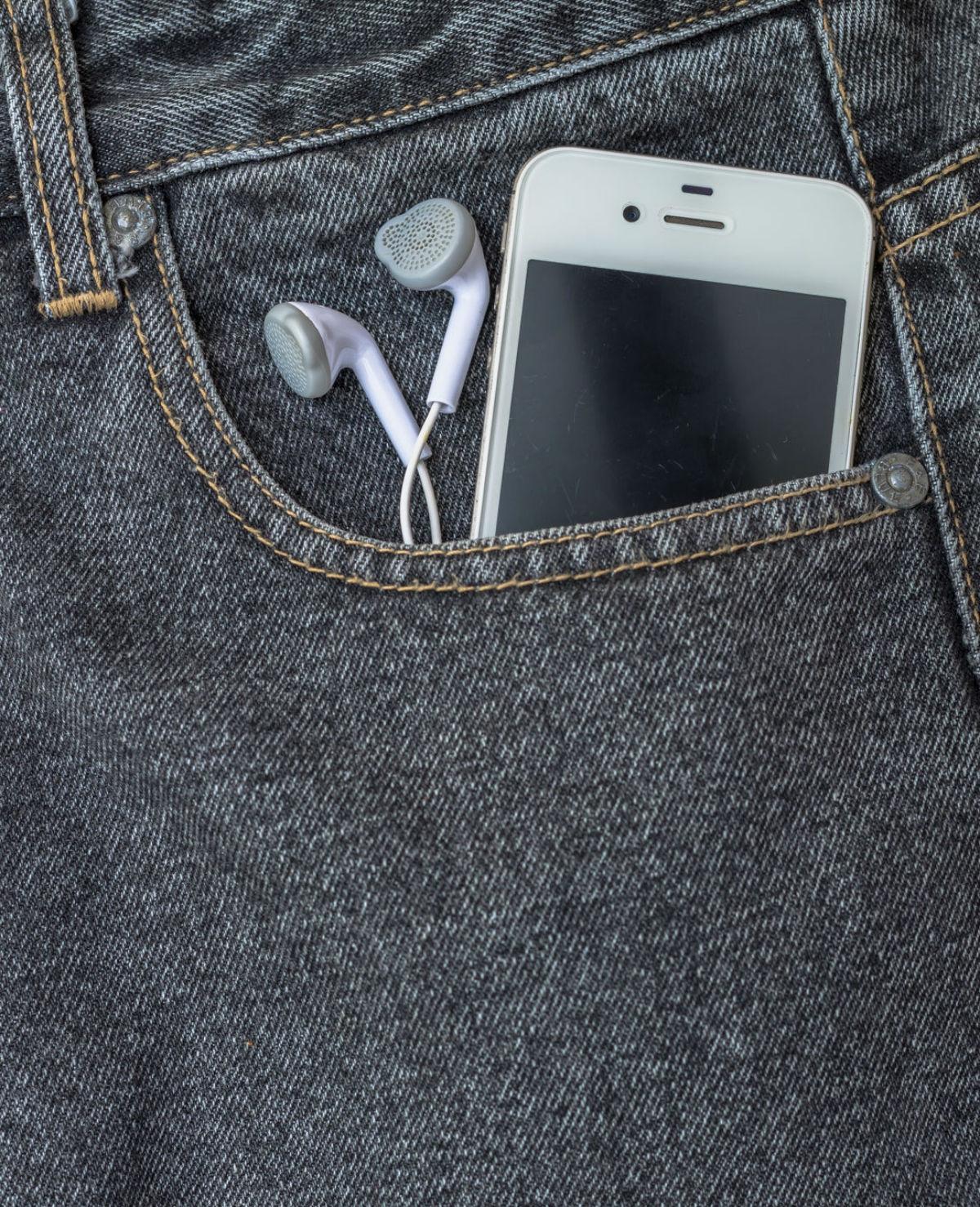 VIDEO: Waarom heb jij soms het gevoel dat je telefoon trilt – zonder dat je een bericht krijgt?