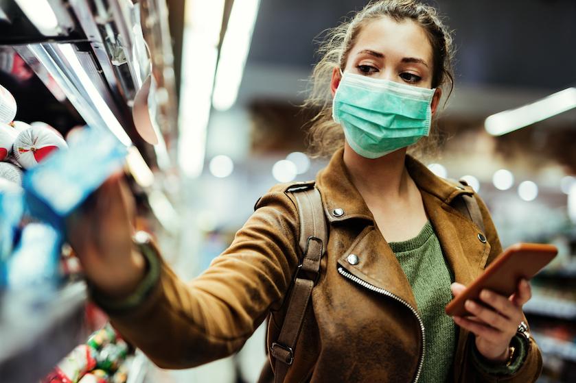 Mij niet bellen: zó (bizar) lang kan het coronavirus besmettelijk blijven op je smartphone