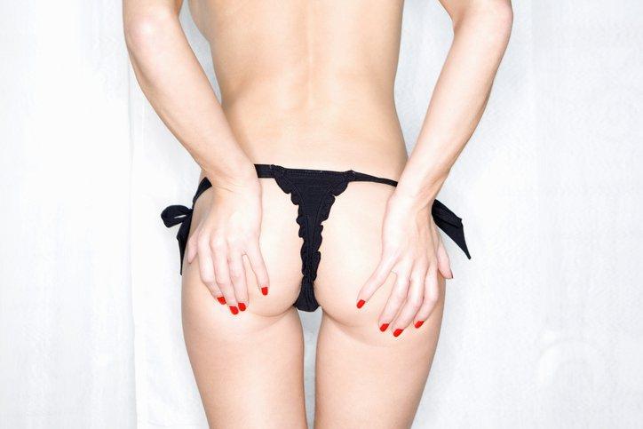 Bewezen: die kuiltjes in je onderrug beïnvloeden je seksleven!