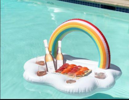 Hebben! Een drijvende bar voor in je zwembad