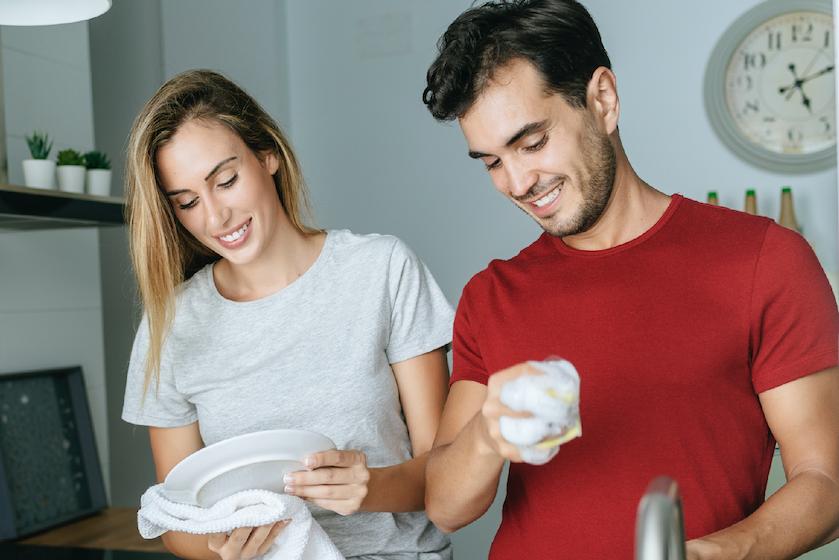 Bewezen: stellen die de huishoudelijke taken verdelen hebben vaker seks