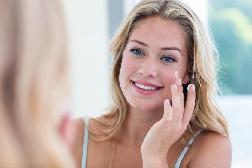 Waarom je beter geen normale zonnebrandcrème voor je gezicht kunt gebruiken