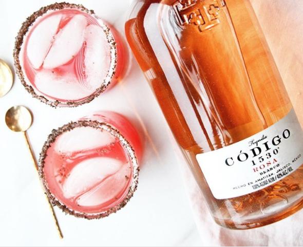 Willen we: er bestaat nu roze tequila