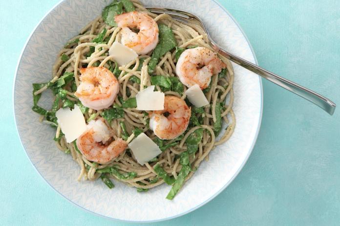 Smullen, maar: volkoren spaghetti met een saus van avocado