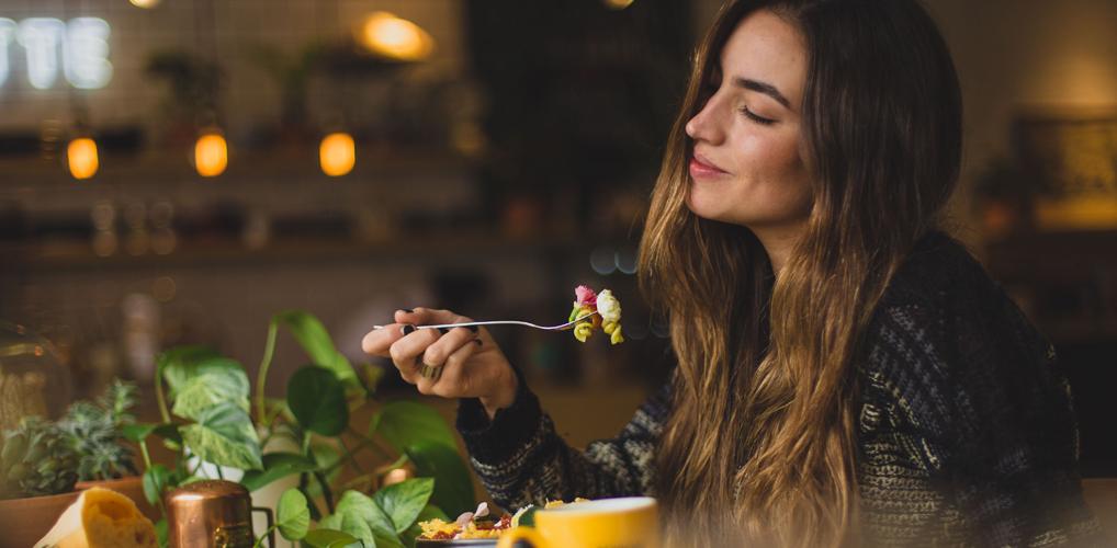 Stop met diëten, maar eet kleinere porties. Zo doe je dat