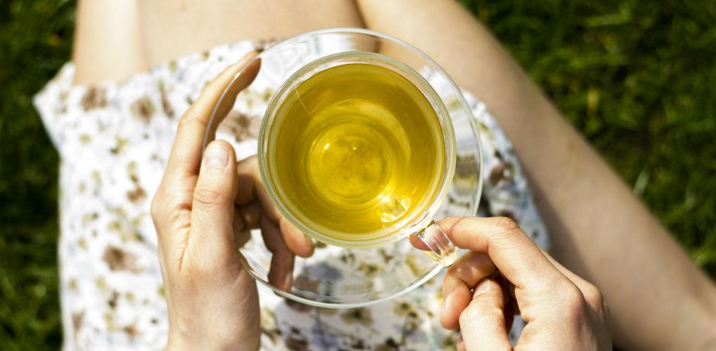Theedrinkers opgelet: je kunt groene thee het best in de magnetron opwarmen