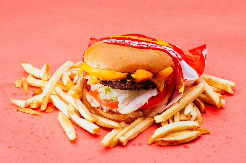 Droombaan: dít bedrijf zoekt een food reviewer om een jaar lang gratis eten te testen