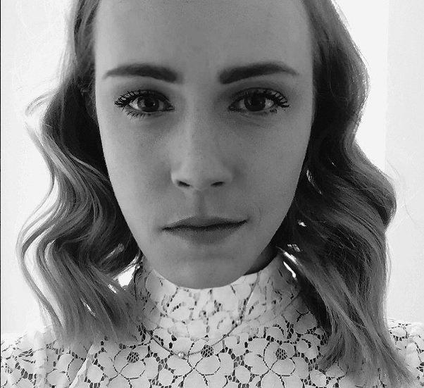 WOW! Is dit de dubbelganger van Emma Watson?