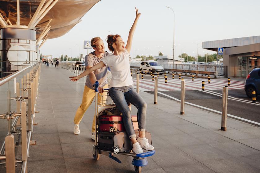 Nooit meer wachten: met déze briljante trucjes valt jouw koffer als eerst op de bagageband