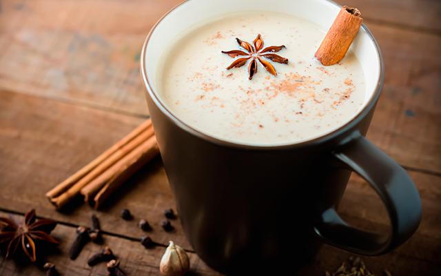 RECEPT: met deze 'moon milk' drink je je meteen naar dromenland